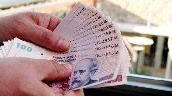la plata no alcanza y mas gente recurre a prestamos para pagar sus gastos corrientes