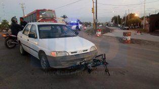 Un funcionario policial chocó a un policía ciclista