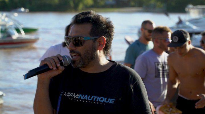 Ezequiel El Negro Buzza el gran relator del wakeboard.