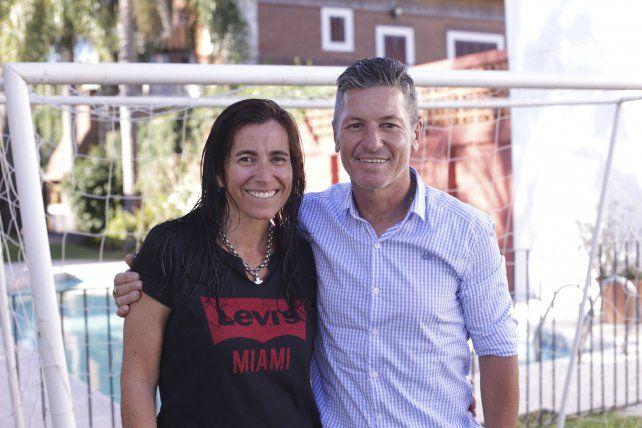 La compañera que le hace la segunda al entrenador de Patronato.