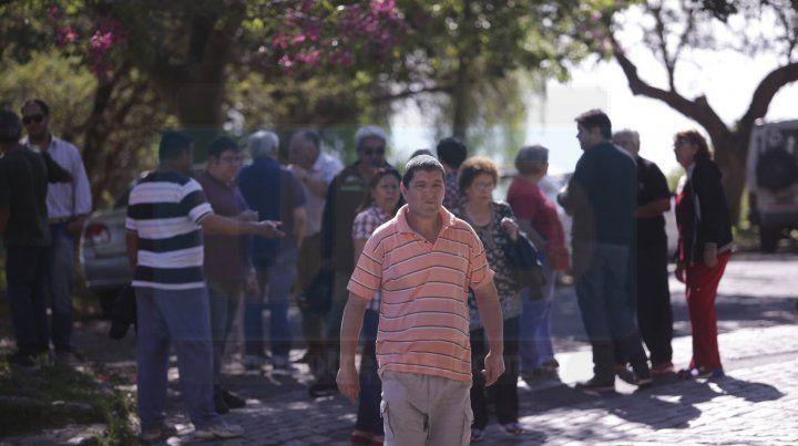 Protestaron contra un proyecto de hacer un barrio cerrado en el predio de Coceramic
