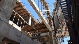 Realizan obras en el hospital San Martín y el centros de salud de barrio Paraná XV