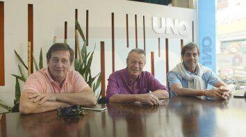 Al frente. Caio Lescano, Fontanetto y Lilo Burgos convocaron a la veteranía del Albinegro para que se acerque a colaborar.