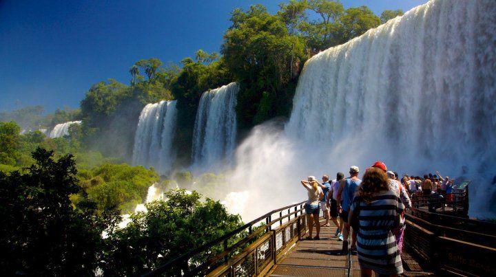 Demanda. Las Cataratas del Iguazú se imponen como lugar predilecto para el próximo fin de semana largo.