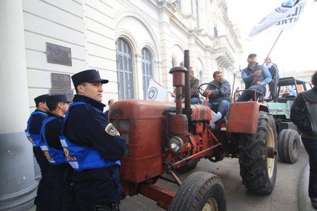Dictaron el sobreseimiento a ruralistas por el violento tractorazo en Casa Gris