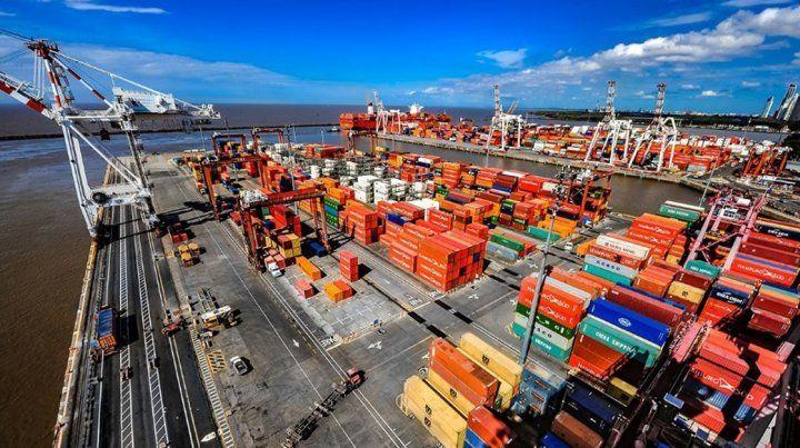 Remarcan la necesidad de mejorar la balanza comercial para paliar la recesión