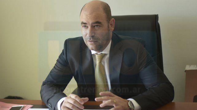 Agustín Gonzalez recibió a UNO en su despacho del Tribunal Electoral.