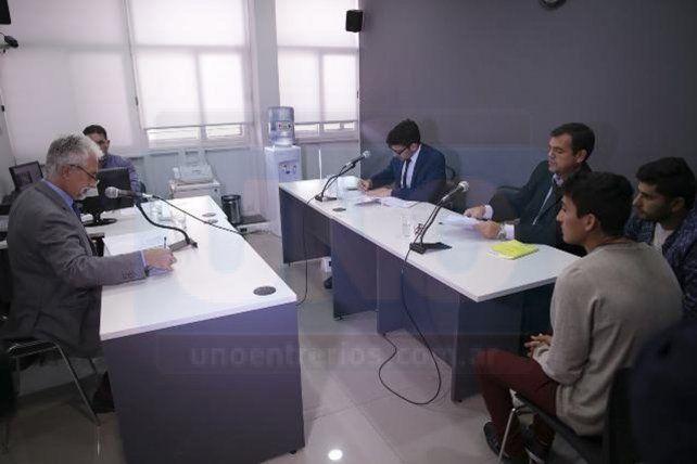 Al penal. Los acusados fueron imputados y luego derivados a la cárcel de Paraná. Foto: Juan Pereira