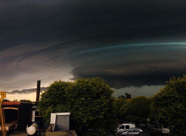 En Esperanza la tormenta duró 20 minutos pero arrasó: mirá las imágenes