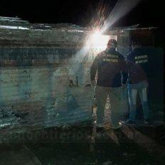 Pericias. Los policías de Robos y Hurtos cercaron el lugar y llegaron los de Toxicología para las pericias.