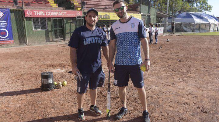 Bruno y Juan en el estadio mundialista de Paraná.