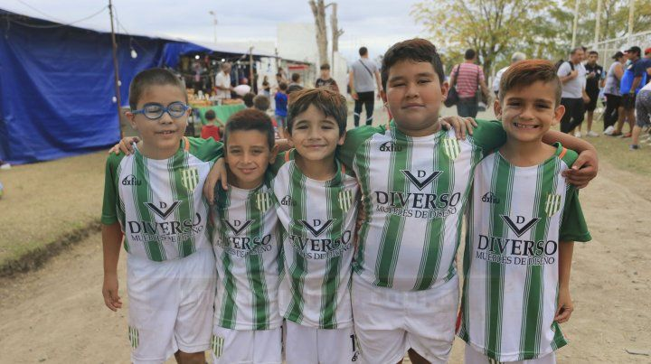 Cientos de chicos disfrutan del fútbol en La Capillita