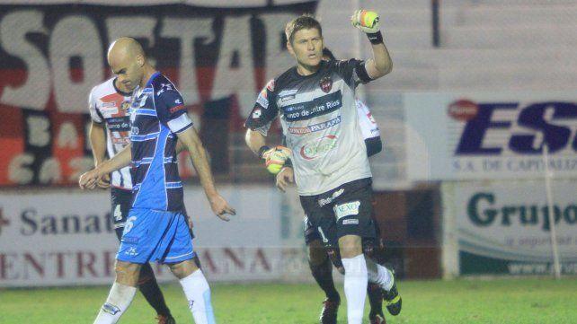 El primero. Ante Gimnasia de Jujuy marcó el gol en la Primera B Nacional. <br>
