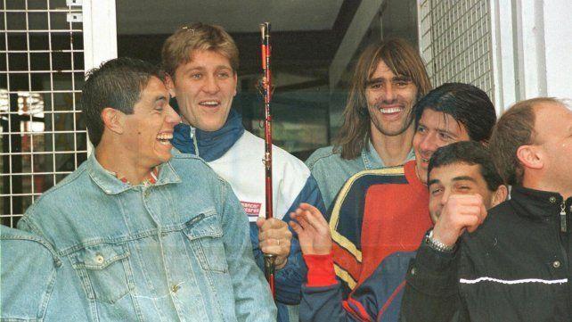 Qué banda. Graciani, Bértoli, Lígori, el Loco Marzo, Omarini y Borsotti. Patrón versión 2004 se iba de pesca. <br>