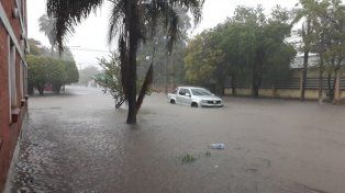 Grave. La situación en varias localidades es complicada por la creciente de los arroyos y ríos como el Pilcomayo.