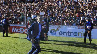 Corren los rumores. Ante la salida de Bidoglio, Newells estaría interesado en el entrenador del Santo.
