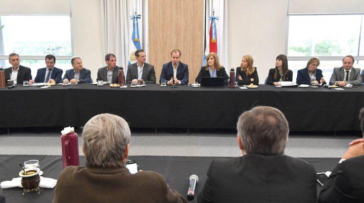 Bordet reunió al gabinete para ratificar el rumbo de la gestión y profundizar políticas de obra pública