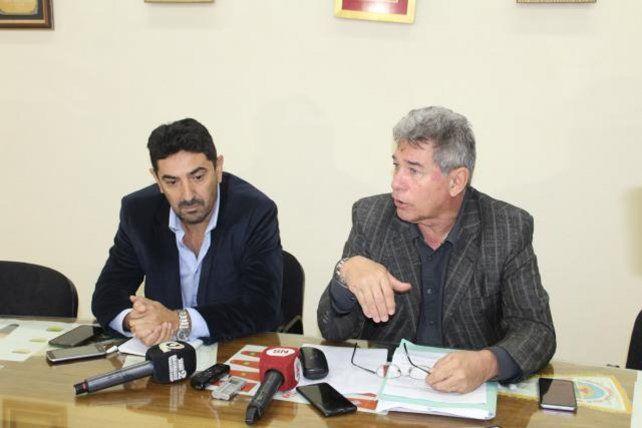 Querellantes. Los abogados brindaron una conferencia de prensa. Foto: Debate Pregón