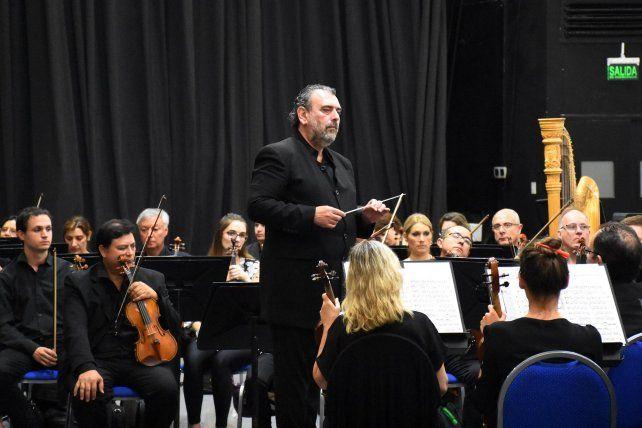 Inicio. El maestro Luis Gorelik conducirá la orquesta y a los coros Cantus Firmus y Mixturas este sábado.