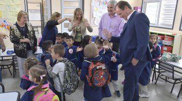 bordet: celebramos una definicion de priorizar a los ninos en las aulas