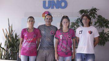 En la Redacción. Verónica Torres, Claudio Soñez, Belén Cáceres y su papá, visitaron UNO tras la experiencia.