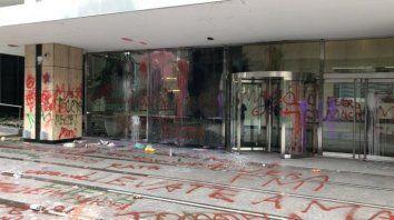 paro: incidentes y 20 detenidos por ataques a sucursales bancarias