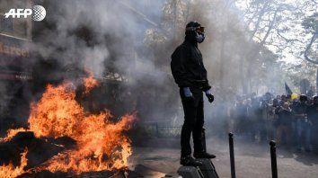 Un manifestante antisistema en París.