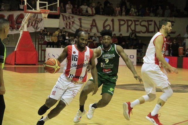 Instituto se quedó con el duelo frente a Estudiantes de Concordia por 88 a 72 con 20 puntos de Green.