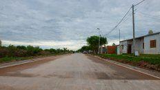 trabajos finales para la pavimentacion de 2.400 metros en calles del barrio 170 viviendas