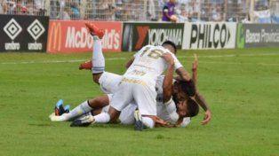 Fue victoria del equipo de Tucumán.