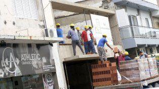 Mercado laboral. El comercio, la industria y la construcción, en ese orden, los rubros más afectados