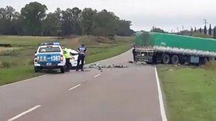 Un joven de 18 años murió en la ruta 131 al chocar de frente contra un camión