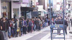 parana: interminable fila de postulantes para un nuevo puesto laboral
