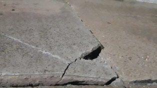 Vecinos de Santa Elena advierten que hay viviendas en peligro por el deslizamiento de barrancas