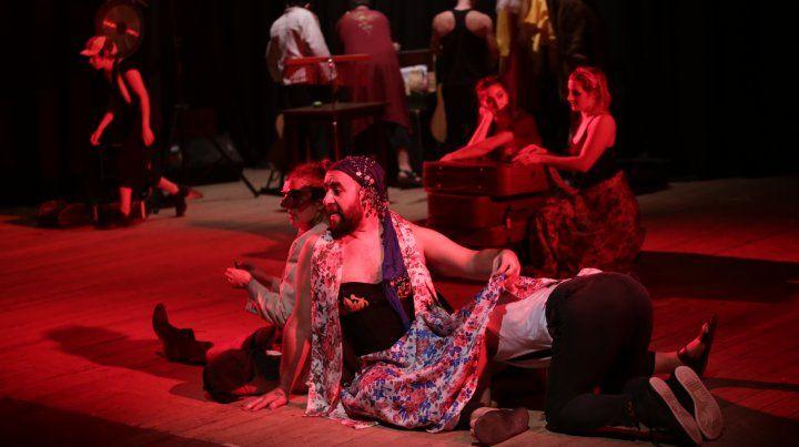 Plan B o la deconstrucción del artefacto, cuando el teatro desnuda sus artilugios