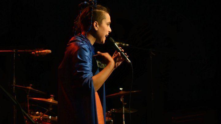 Emilia Cersofio presenta su primer disco, Un Viaje, en La Vieja Usina