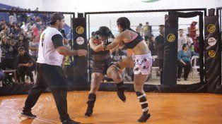 Mucho y buen nivel. La mayoría de los combates mostraron buenas producciones de les luchadores.