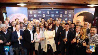 Cristina Kirchner participa de la cumbre del Partido Justicialista