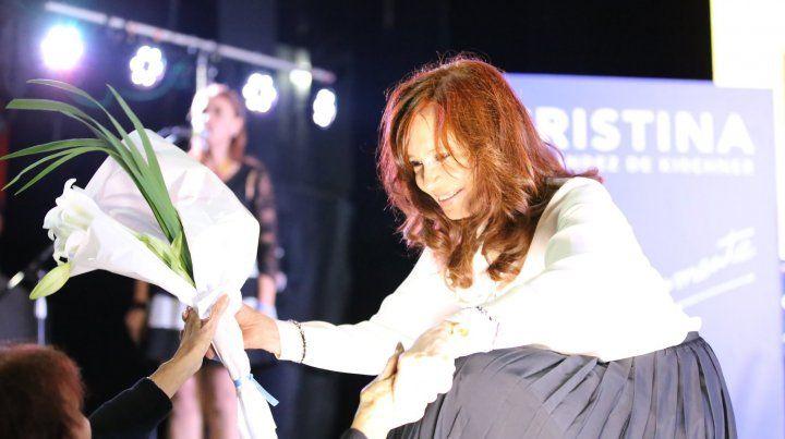 Alberto Fernández será candidato a presidente y Cristina irá como vice