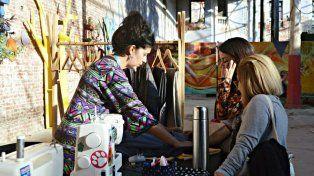 Vuelven las Obreras Costureras al patio de la Diseña