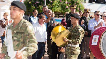 musica en plaza 1° de mayo para conmemorar el dia de la escarapela