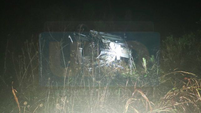 Una joven murió al chocar su vehículo contra un camión