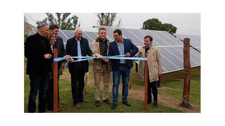 Etchevehere visitó obras de modernización en establecimientos productivos en Entre Ríos