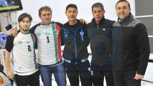 Representantes. Juan Quiroga, Fabricio Altamirano, Fernando Gieco, Nelson Alegre y Rodrigo Duarte en la Redacción de UNO.