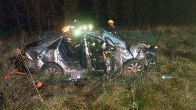 Accidente fatal en la 14: Una joven de 20 años murió al salir despedida del auto