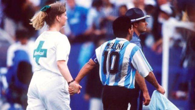 Basile habló sobre el día que a Maradona le cortaron las piernas