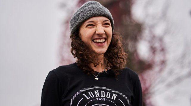 La skaterHelena Long está feliz con la nueva edición.