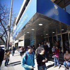 Una mujer dio a luz en una sucursal de Banco Nación mientras hacia cola