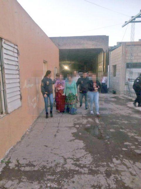 Operativo conjunto. Las Policías de Corrientes y Entre Ríos trabajaron en una propiedad de Paraná.