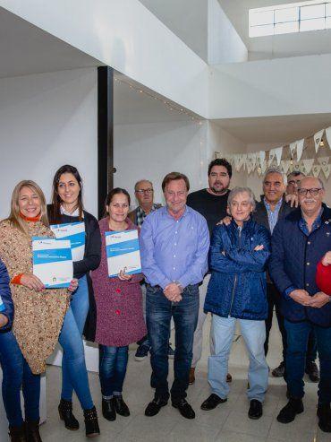 Sergio Varisco. El intendente de Paraná concretó la medida que beneficia a los vecinos de la zona sur.